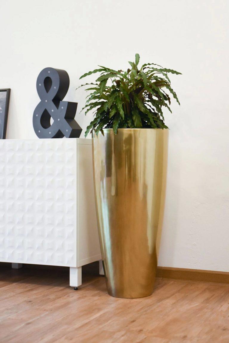 Напольное кашпо pflanzgefaess-fiberglas-rosegold-metallic-exklusiv-city-5-min